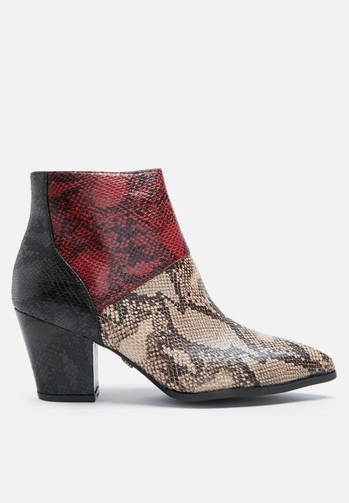8b2adfd1a4f Python ankle boot - natural   red Daisy Street Boots