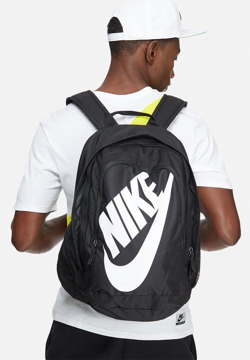 8f415aea2cb7 Nike hayward futura 2.0 - solid-black Nike Bags   Wallets ...