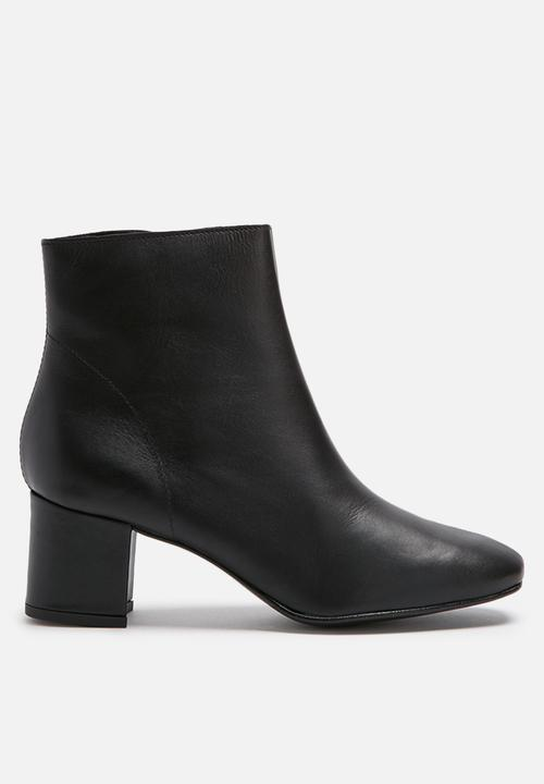 Pieces Amoni Leather Boot Black