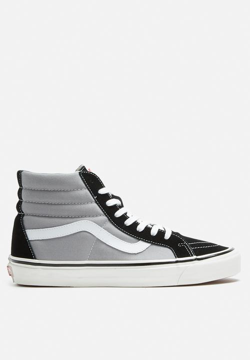 e4cec3a26e3aa5 Vans SK8-Hi 38 DX Anaheim Factory - Black   Light grey Vans Sneakers ...