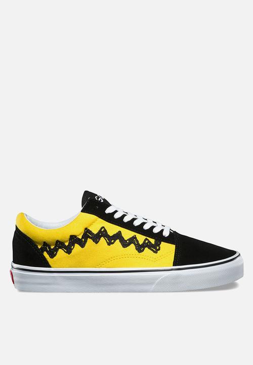 Vans x Peanuts Old Skool - Charlie Brown   Black Vans Sneakers ... 9b3ba726f