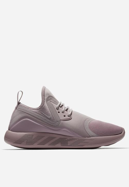 70d779cf2764 Nike W LunarCharge Essential - 923620-501 - Plum Fog Black Nike ...