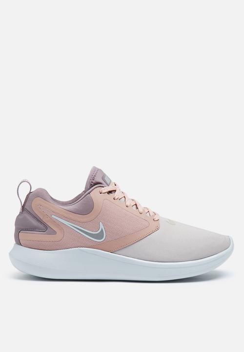 7141c5e9566 Nike W LunarSolo - AA4080-200 - Moon particle   metallic silver Nike ...