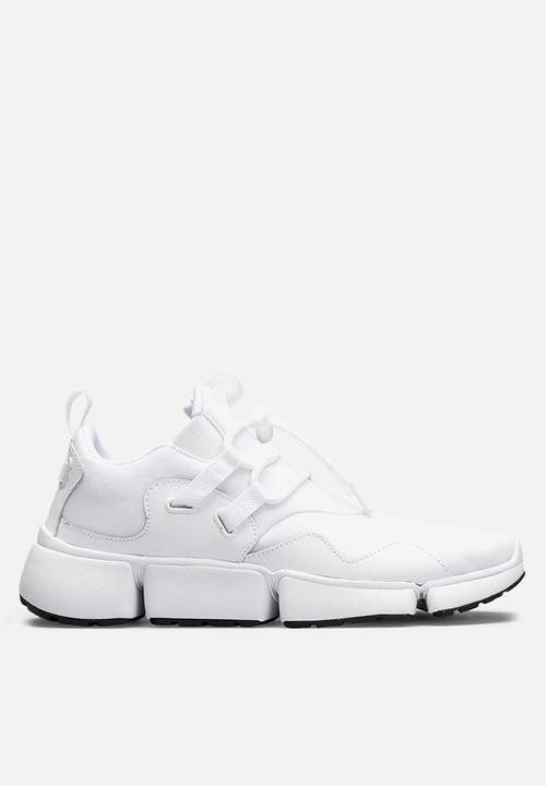 f4807388b367 Nike Pocket Knife DM - 898033-100 - White   Black Nike Sneakers ...