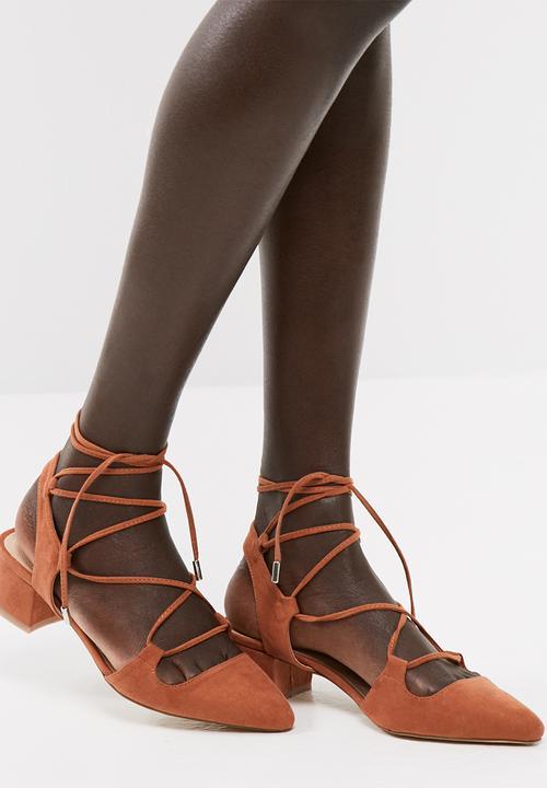 489d31777 Melina sandal - cognac Vero Moda Sandals   Flip Flops