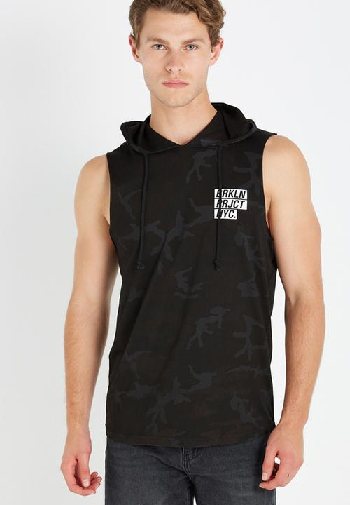 c720448e Hustle muscle tee - black camo Cotton On T-Shirts & Vests ...