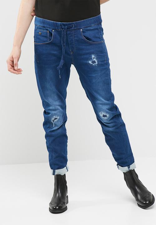 fd911e261b7 Arc 3D sport low boyfriend - Medium aged restored G-Star RAW Jeans ...