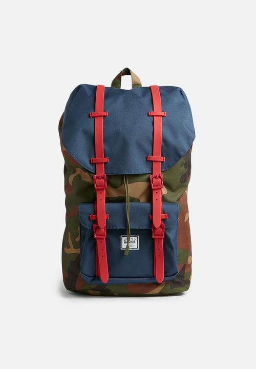 d9cc8fd3852 Little america backpack - woodland camo navy red rubber Herschel ...