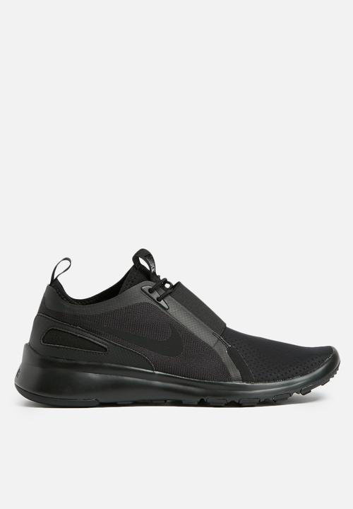 8e606c57cdf7 Nike current slip-On-874160-003 -black white Nike Sneakers ...