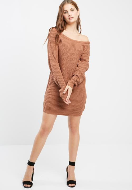 ee1ce1eb2f6 Off shoulder knitted jumper dress - brown Missguided Casual ...