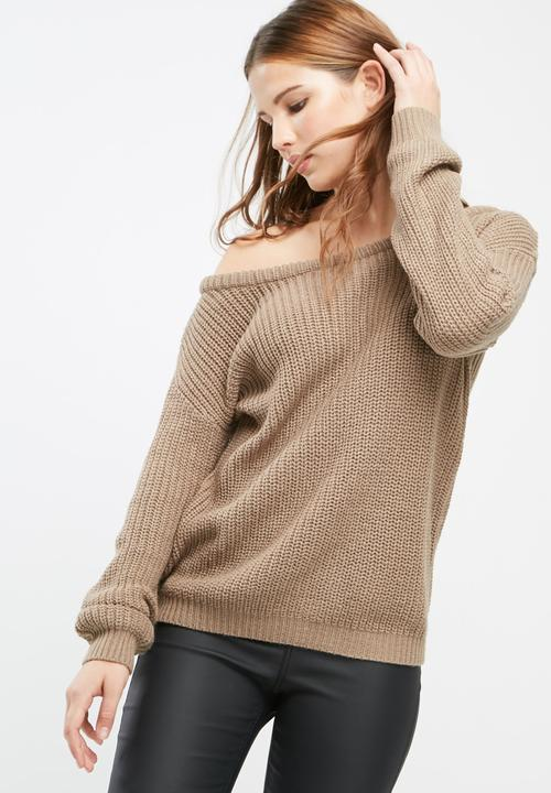 09953a74a37c6c Off shoulder knitted jumper - light brown Missguided Knitwear ...
