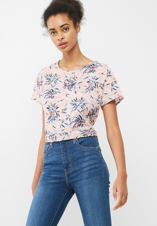 36de8c6366b6 Wrap back woven blouse - pink floral print dailyfriday Blouses ...