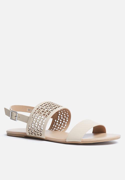 f584b2f34942 Gattorna - bone Call It Spring Sandals   Flip Flops