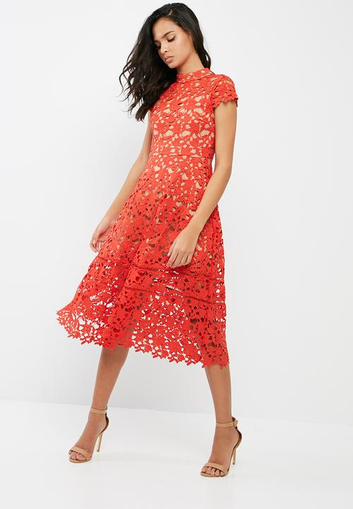 96ce9af3a4c9 Short sleeve lace midi skater dress - red Missguided Occasion ...