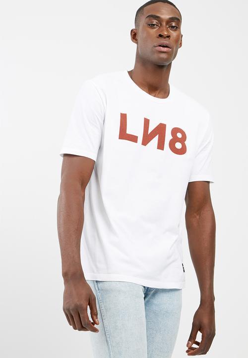 a35f4c053950 L8 unisex tee ln8 3- red ochre/ white Levi's® T-Shirts & Vests ...