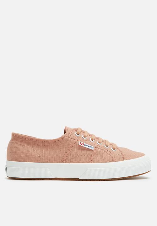 9a6b25a69083 Superga 2750 Cotu Classic - Rose Mahogany SUPERGA Sneakers ...