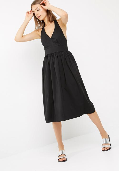 Fit And Flare Halter Neck Midi Dress Black Dailyfriday Casual
