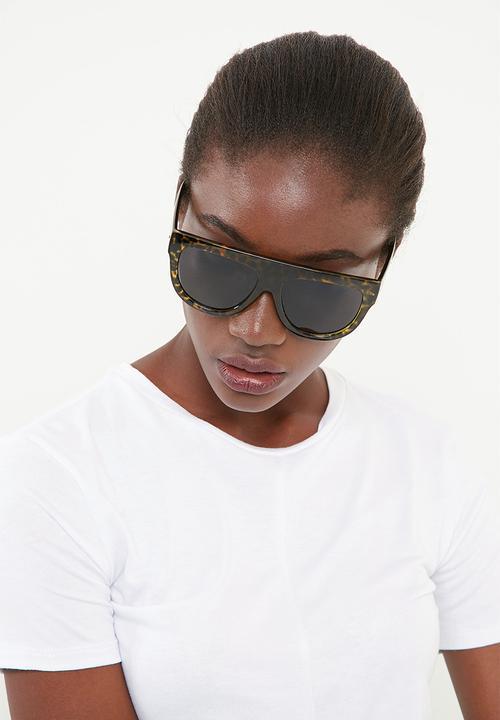91900be9425 Black flat bar camo sunglasses Missguided Eyewear