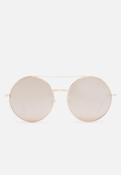 a133ea19e9d Rose gold round sunglasses Missguided Eyewear