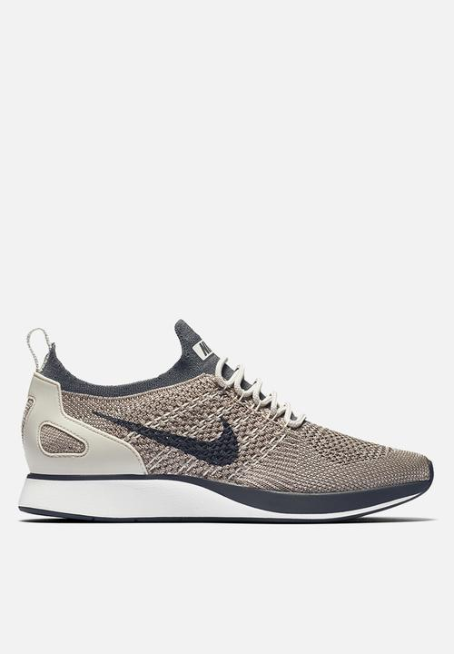 fe8bb451c62 Women s Nike Air Zoom Mariah Flyknit Racer - AA0521-002 - Pale grey ...