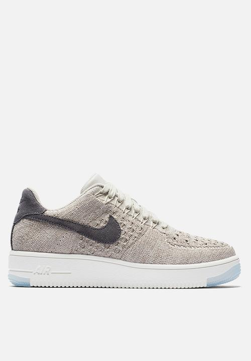 cheap for discount 3cd4b 80155 Nike - Air Force 1 Flyknit Low