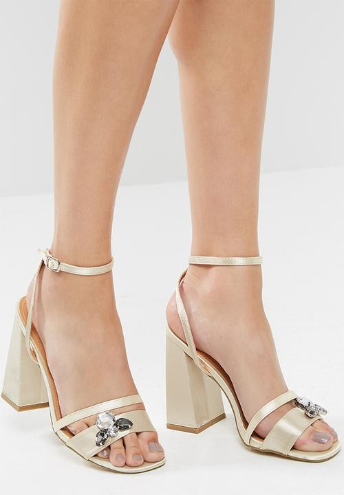 5d35777a39f6 Harrow gem detail block heel - gold satin Public Desire Heels ...