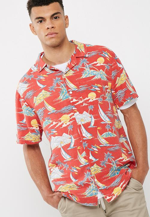 cea6fa6e 91 short sleeve shirt- Red aloha Cotton On Shirts | Superbalist.com