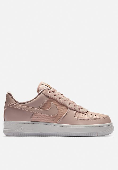 super popular 10f07 49b52 Nike - Air Force 1  07 Lux