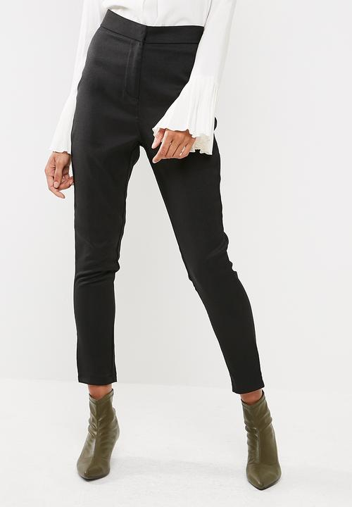 c7b66b33bb Crepe tailored cigarette pants - Black Missguided Trousers ...