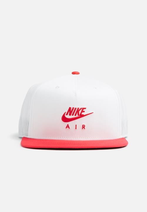 68dc4b98 U nsw cap pro nike air - White/university red Nike Headwear ...