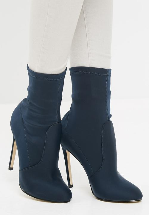 4543626f375 ROUND TOE STILETTO HEEL BOOT - NAVY Missguided Boots