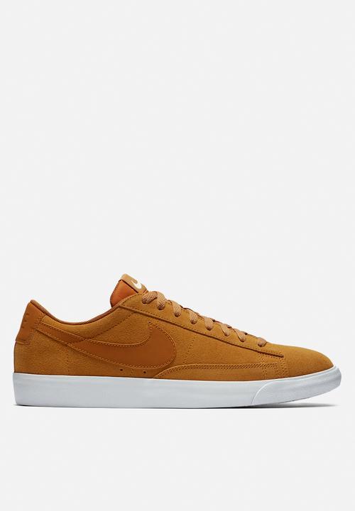 edce174b1a Blazer Low Suede - Desert Ochre - Sail Nike Sneakers   Superbalist.com