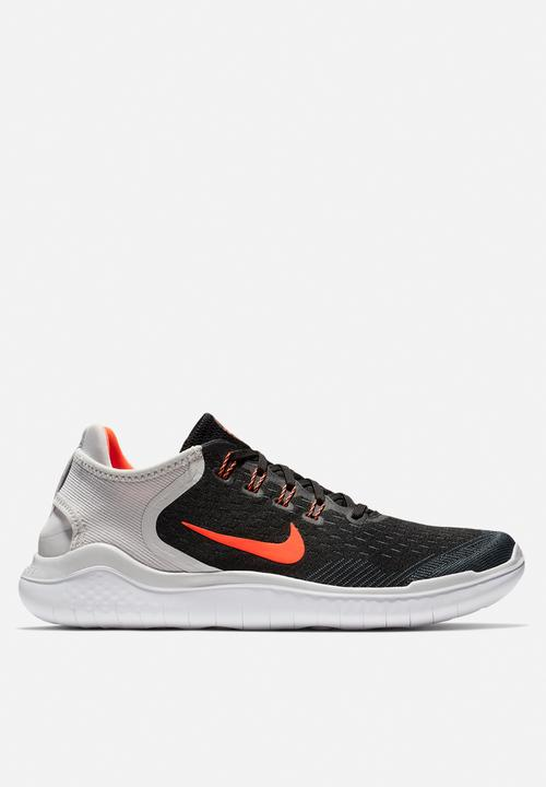 916dfca80ac5 Nike Free RN 2018 -black total crimson-vast grey-white Nike Trainers ...