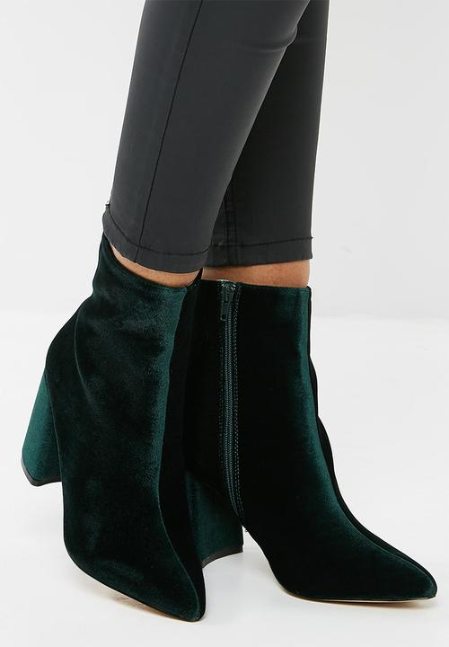 8dd1a1631 Alpha mid heel ankle boot - Dark green velvet Public Desire Boots ...