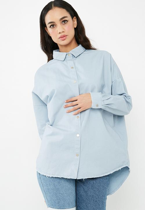 54b99f2025 Oversized washed denim shirt