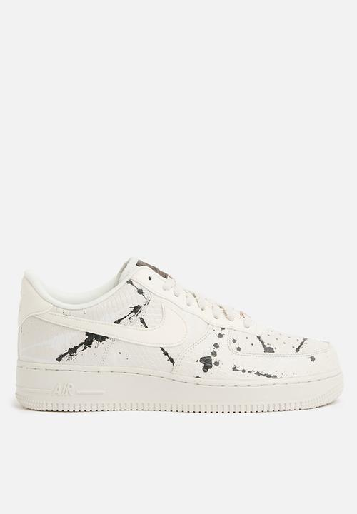 super popular 06735 b3201 Nike - Air Force 1  07 Lux