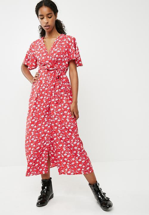 ed6b9796934f Molly poly floral short sleeve wrap midi dress - red Vero Moda ...