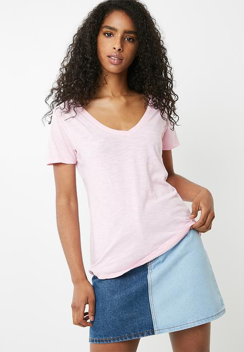 ac8521908bed The deep v tee - Washed pink mist Cotton On T-Shirts, Vests & Camis ...