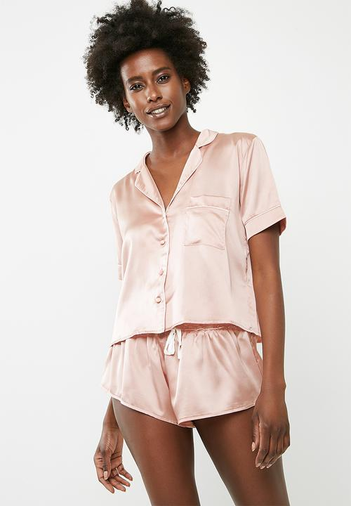 ee4e21cec6a2 Satin bride piped short pyjama set - pink Missguided Sleepwear ...