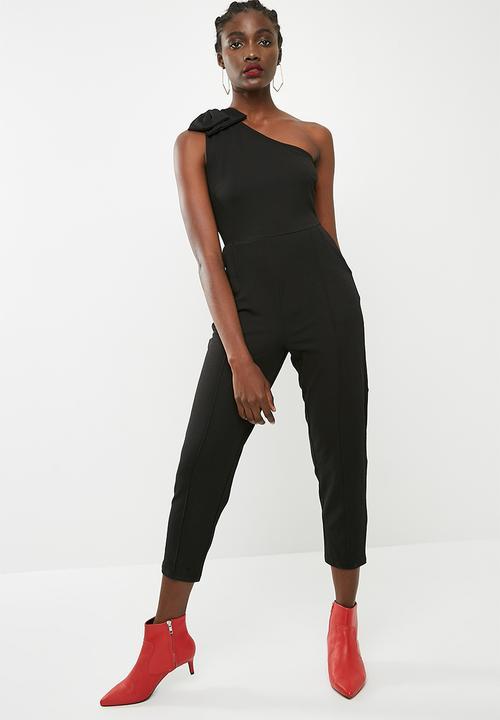 c796a68d8ee0 One shoulder bow jumpsuit - Black ONLY Jumpsuits   Playsuits ...