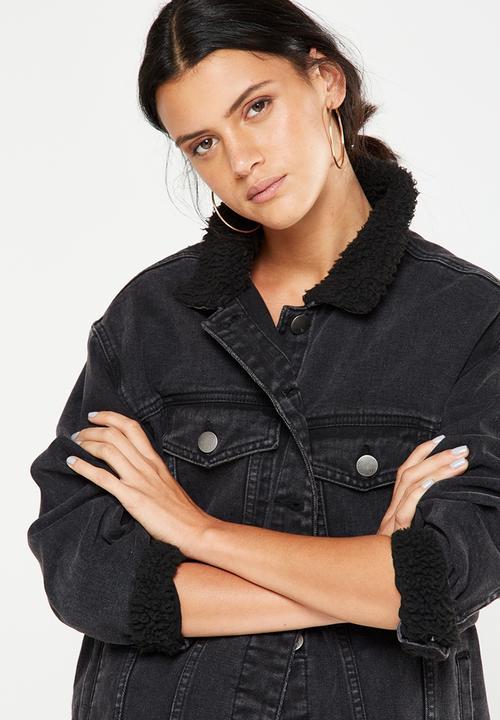 360f4ababc714 Sherpa trucker denim jacket - washed black Cotton On Jackets ...