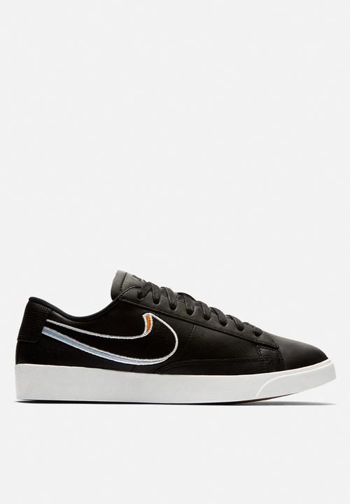buy online 5e1bd e4684 Nike - Blazer Low LX - Black  Royal Tint  Monarch