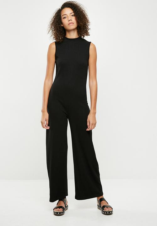 b1c7aca3b97e High neck sleeveless jumpsuit - black Missguided Jumpsuits ...