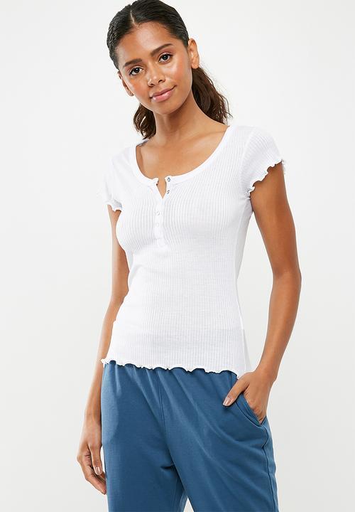 52d6b12be93 Lettuce hem popper front rib top - white Missguided T-Shirts, Vests ...