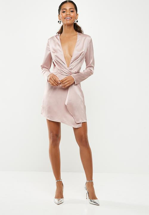 4f92199e76df Satin plunge twist long shift dress - mauve Missguided Occasion ...