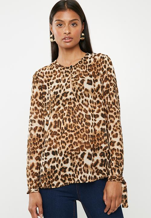 25712e36696 Basic shell blouse - animal print Superbalist Blouses | Superbalist.com