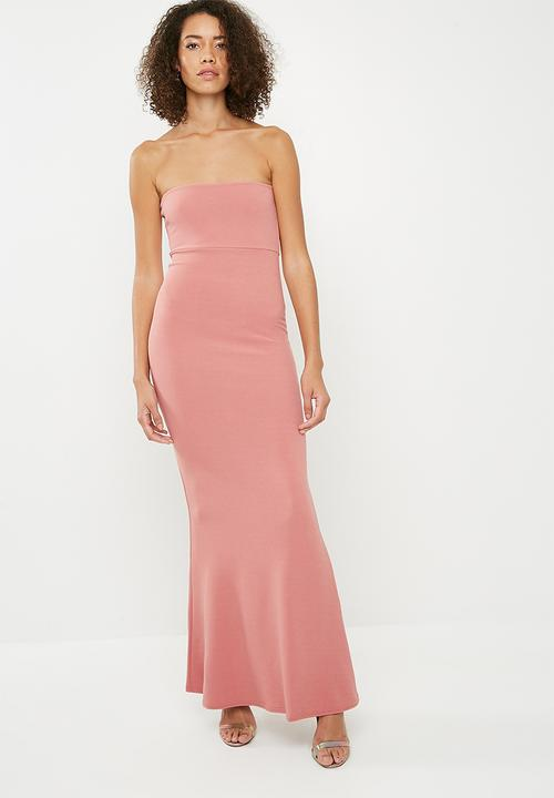 d98b777409db Stretch crepe sleeveless fishtail maxi - blush Missguided Occasion ...