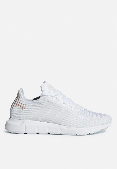 adidas Originals SWIFT RUN W - ftwr white crystal white ftwr white ... 9df28244cc90