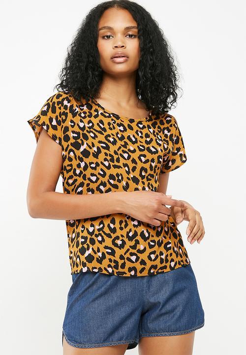 61a22fd654 Milo woven short sleeve top - brown Jacqueline de Yong Blouses ...