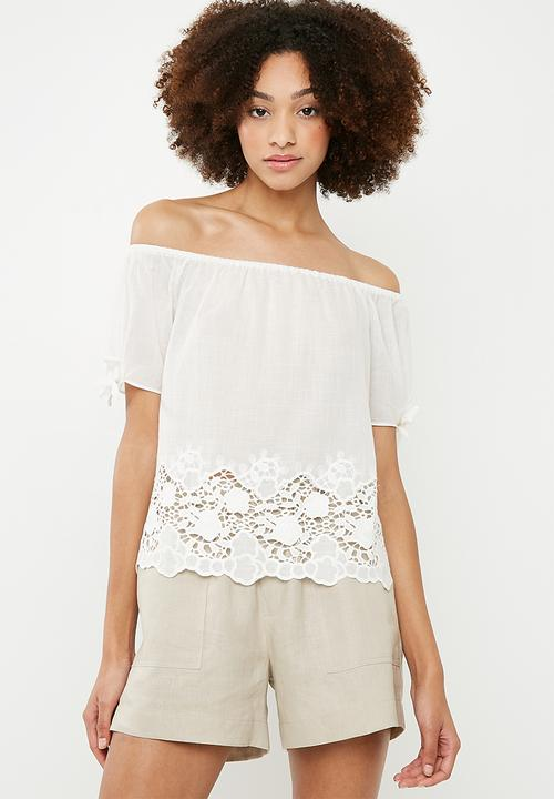 0ea712dfcee093 Simo short sleeve off the shoulder top - cloud dancer ONLY Blouses ...